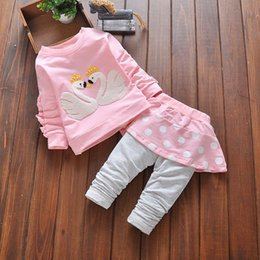 Wholesale 2016 New Swan pattern style fashion baby products sweet girl set girls cool cheap newborn gift baby clothing set