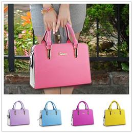 New arrival cheap hot fashion style zipper high end atmospheric embossed women shoulder bag Messenger BAG141