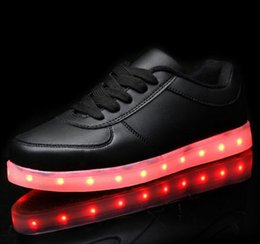 Wholesale Men LED Shoes Women Black White Gold Color Luminous Shoes Glowing in Night Sneakers USB Charging Light Shoes Casual Flat Shoes