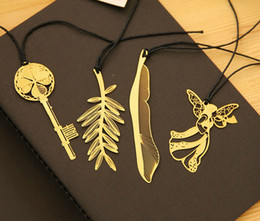Wholesale 2017 mini Bookmarks super Exquisite Cannes sign gild Palm Frond feather angel styles bookmarks best birthday gift set