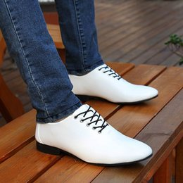 The spring and autumn Korean men's Shoes Mens Tie pointed British business suits casual shoes fashion wedding shoes