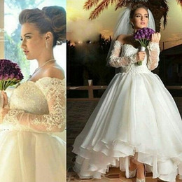 Custom Made Champagne White Or Champagne A-Line Hi-Lo Beautiful Wedding Dresses Off-Shoulder Lace Applique Long Sleeve Bridal Gowns