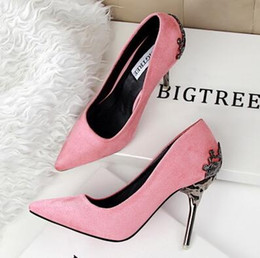New Fashion Women Sexy Vintage Sexy Red Bottom Pointed Toe High Heels Pumps Shoes Design Less Platform Wedding Party Pumps