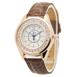 Classical Fashion Crystal Watch for Woman Leather PU Band Round Dial Quartz Sport Casual Lady Watch