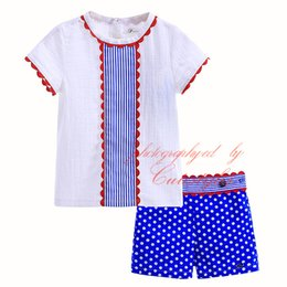 Wholesale Cutestyles Vertical Stripe T Shirt And Polka Dot Shorts White And Blue Hand Made Boy Clothing Set Boutique Infant Wear B DMCS905