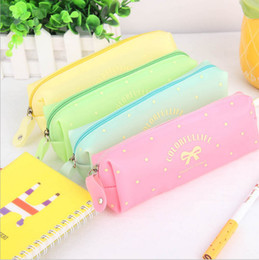 Wholesale Accumulation of new cartoon bow jelly bag simple fashion bulk candy color girl pencil box
