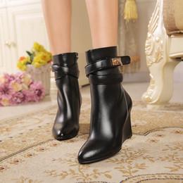 Longue en cuir femmes boot à vendre-Les femmes en cuir véritable à long Bottes 2016 Automne Hiver Mode Femmes Talon Chunky chaud Chaussures de travail Bottes de neige pente noir avec des bottes en cuir