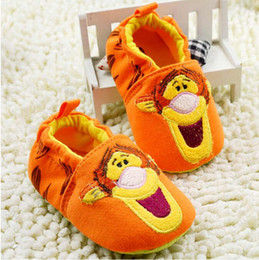 2016 spring and autumn winter cotton soft bottom slip shoes orange Tigger andMinnie Mousebaby boy and girl shoes baby first walker sh