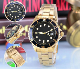 Wholesale In the new men look at a new automatic date men and women brand luxury fashion brand steel belt movement quartz clock men watch