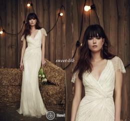 Jenny Packham 2019 Vintage Wedding Dresses Sparkly Sequin with Short Sleeve Deep V Neck Full Length Ivory Sheer Vintage Bridal Wedding Gowns