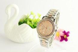 Wholesale 2015 NEW HK post hot selling product GOLD watch fashion watch stainless steel japan movement color avaiable