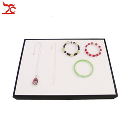Classic Jewelry Display Prop White and Black leather Pu Bracelet Bangle Necklace Holder Case Flat Jewelry Organizer Display Tray