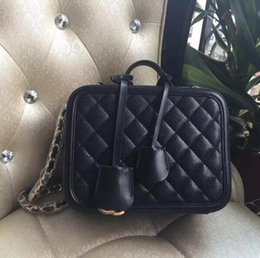 Wholesale top quality women quilted caviar vanity case new luxury style caviar tote cosmetic bag genuine leather women shoulder bag