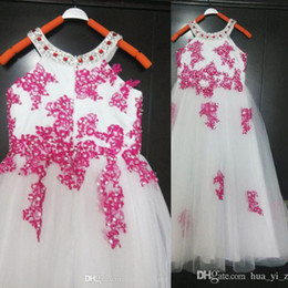 2015 Lovely Girl Dresses with beaded halter neck Ball Gown Sleeveless Lace Appliqued Over Tulle Dresses Real Image Pageant Princess Skirt