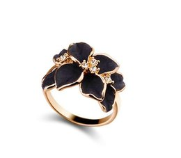 Wholesale Simple Flower Engagement Rings - 2016 Best Selling Simple Women Ring Delicate and Sweet Set Auger Ring Oil Painting Gardenia Ring The Love Flower Ring Female Fashion Rings
