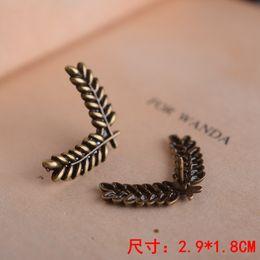 European and American minimalist fashion cartoon alloy wheat brooch shirt collar corner buckle Jewelry Plant brooch