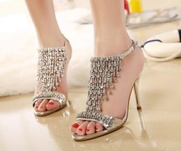 The new shoes are fine with luxury banquet sexy high-heeled shoes shoes buckle Rome wind 9.5 cm Rhinestone sandals