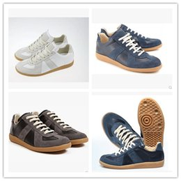 Wholesale Hot sale new arrived European and American New mens casual shoes maison martin margiela England mens leather shoes Free Express EU