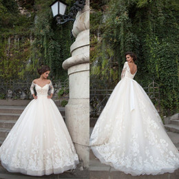 Luxury Sexy A Line V Neck Long Sleeve Wedding Dresses With Appliques Lace Ivory Tulle Appliques Hot Sale Bridal Gowns Wedding