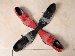 Descuento los hombres hechos a mano de los zapatos oxford Venta caliente de la perla hecha a mano de moda de los hombres del cuero genuino de los zapatos Oxford zapatos de vestir traje de fiesta de la boda de los hombres de los hombres italiana más el tamaño 46