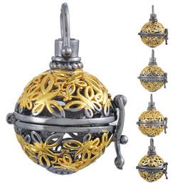 Descuento bola jaula Doble Color de los colgantes huecos practicables mágicos Jaula colgantes para hacer música de la bola del collar 1PC