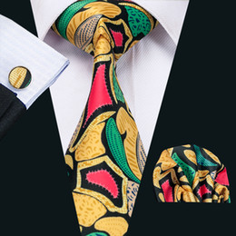 Fashion Geometric Mens Silk Ties Green Yellow Red Business Leisure Tie Set Include Tie Cufflinks Hankerchief Necktie Freeshipping N-1215