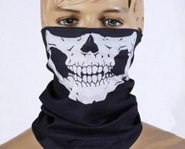 Masque facial multifonction Sport extérieur Tête de randonnée Tube Écharpe à cheval Bicyclette Crâne Motif imprimé Bandanas Echarpes Wraps à partir de polyester tube foulard fabricateur