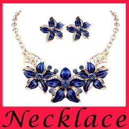 Wholesale Hot Sell Wild Fashion Flowers Oil Drip Set Auger Jewelry Sets Of Earrings Necklace For Women