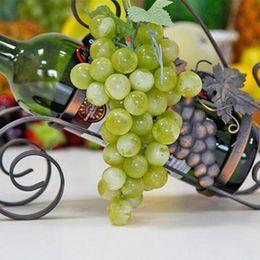 Wholesale New Grain Lifelike Artificial Grapes Plastic Fake Fruit Food Home Decor Decoration Vivid Fake Grapes Green