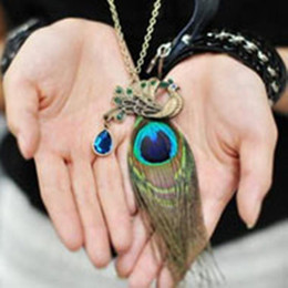 Wholesale Vintage Girls Bronze Pendant Necklace Peacock Feathers Embed Drill Hollow Pendant Necklaces Charms Women Jewellry Sweater Necklace ZJ H06