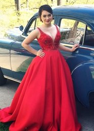 Red Crystal Beaded Splendid Evening Dresses with Deep V neck A Line Modest party Prom Gowns Vestidos De Festa