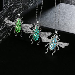 Wholesale-Unisex Pretty Magic insects shape Stone Glow In The Dark Pendant Necklace Gift Glowing Luminous Vintage Necklaces