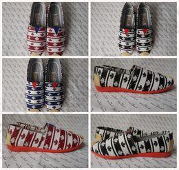 Wholesale 3 color LJJK149 Unisex Canvas Shoes Sneakers Women Men Striped Maple print Canvas shoes Slip On Shoes Authentic Breathable Shoes pair