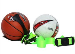 Wholesale Green Soccer Ball Claw Basketball Ball Hand Holder Mount Display Case Organizer