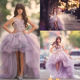 2019 Lovely Luxury Lavender Organza Flower Girls Dresses High Low Lace Appliques Top Ruffles Skirt Girls Pageant Gowns Kids Formal Wear
