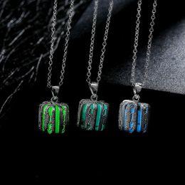 Wholesale Unisex Pretty Magic Pumpkin shape Glow In The Dark Pendant Necklace Gift Glowing Luminous Vintage Necklaces