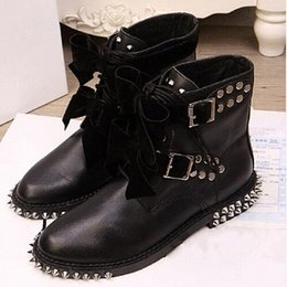 Wholesale australia brand women boots Genuine Leather Motorcycle Biker Boots Shoes Women Suede Spiked Snow Boots Shoes Famous Brand Designer Women apa