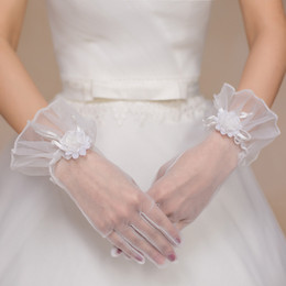 Wholesale 2016 Real Photo Simple Bridal Gloves Opera Party Gloves Wrist Length Full Finger Hand Made Flower Tulle New Style