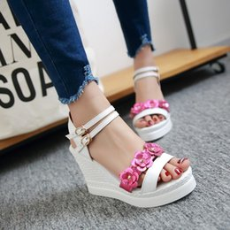 2016 Plus small size 34-43 high wedge heel platform open toes belt buckle strap paillette flower lady sweet shoes women sandals 157-2