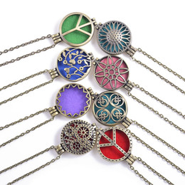 Wholesale 10pcs Mix Open Antique Vintage Lockets Essential Oil Diffuser Perfume Aromatherapy Lockets Necklace For Womens Gifts