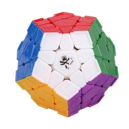 2017 dayan juguete Venta al por mayor a estrenar del DaYan Megaminx cubo mágico dodecaedro con el cantón Las crestas multicolores de juguete rompecabezas para la Educación Especial dayan juguete en oferta