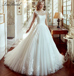 Wholesale New New Design Wedding Dress Scoop Neck Cap Sleeve Chapel Train A Line Applications Tulle Bride Dresses Vestido de noiva