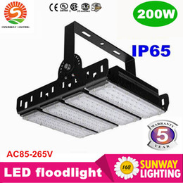 Wholesale Ultra thin finned radiator LED floodlight W LED flood lights IP65 water proof high pole lamps AC85 V years warranty projector light