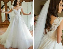 2016 Romantic Wedding gown Sleeveless White Applique Sweetheart A Line Bridal Gowns backless Lace Vintage wedding dresses