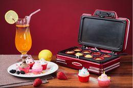 Wholesale Nostalgia Electrics RCKM700 Mini cupcake donut machine new machine home use maker red machine