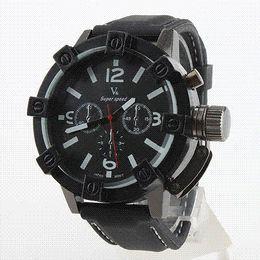 Promotion la montre-bracelet pour hommes Nouveau Vogue Mode V6 3D boîtier de surface noir mâle analogique Quartz Watch Hommes Militaire Homme d'affaires occasionnel Montre-bracelet relojes Hombre Cadeau