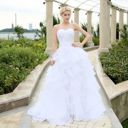 2020 fashion A-line Ivory White Ruffles Beading Sweetheart Organza Wedding Dress Court Train Custom Made beach Bridal Gowns dresses