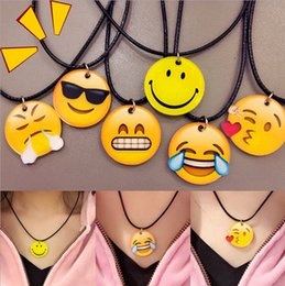 Wholesale Newest colors Emoji Cartoon PU Leather chocker Yellow Smile Face Pendant Necklace Cute Jewelry Gift Smile Face Pendant Necklace Bracelet