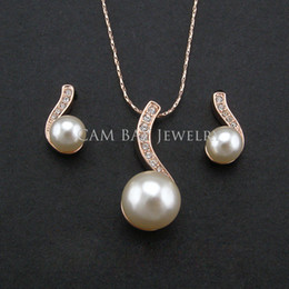 Wholesale New KGP Imitation Pearl Jewelry Sets Bridal Jewelry Earring Necklace Set Environmental Alloy with Handmade Pearl Women s Jewels