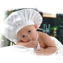 Compra Online Cute baby accesorios de fotografía-Cocinero traje blanco Fotos apoyo de la fotografía recién nacido sombrero delantal para el bebé lindo delantal fregadero de granja delante